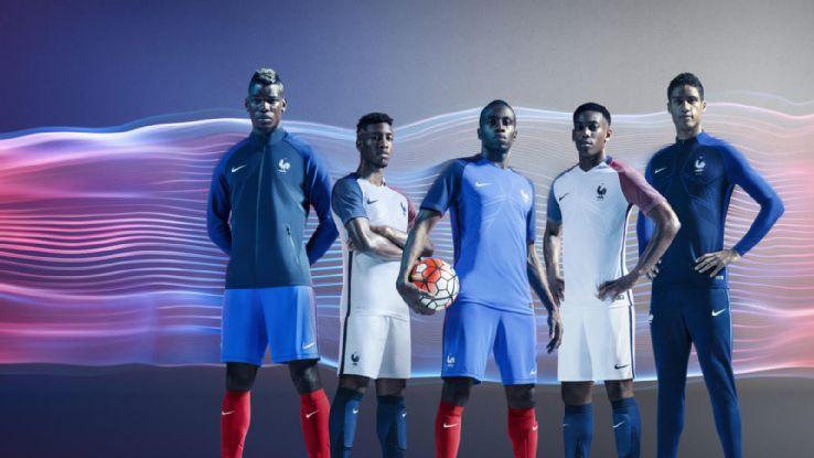 NIKE formās ģērbtā Francijas izlase gatava pierādīt, ka savās mājās viņi ir neuzvarami. Foto: Espnfc.com