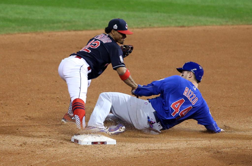 Foto: LETA/Reuters - Beisbola 2016 World Series septītās spēles epizode